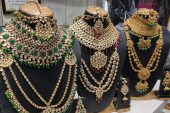 Features and Care Tips of contemporary Fashion Jewellery